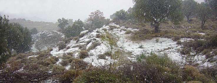 8 jan 04 022 Eftalou met sneeuw